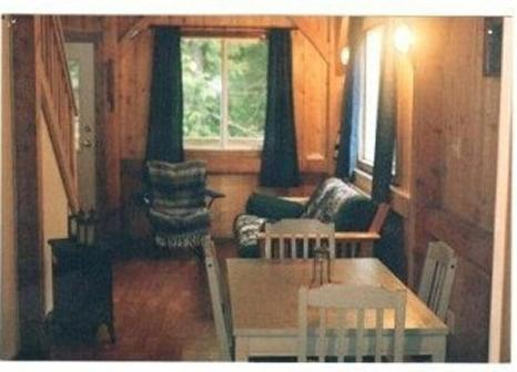 Spring Cove Cabins Photo
