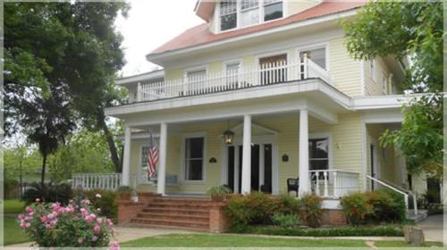 Boothe House Bed and Breakfast Photo