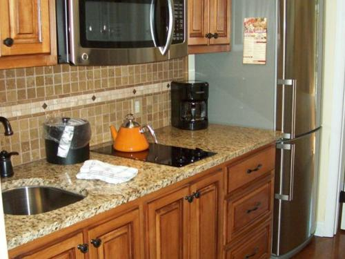 River Road Condo in the Heart of Gatlinburg (Unit 302) Photo