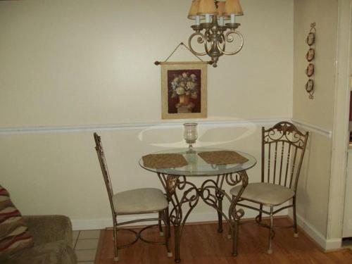 River Road Condo in the Heart of Gatlinburg (Unit 215) Photo