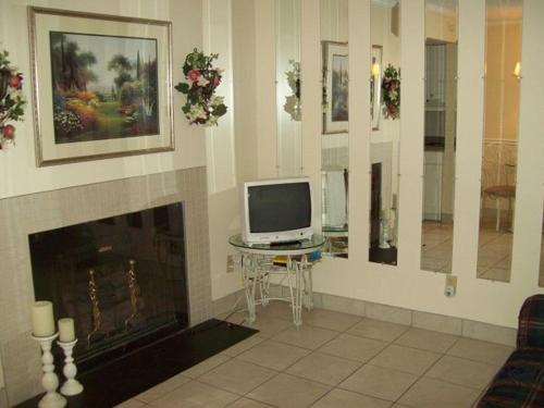 River Road Condo in the Heart of Gatlinburg (Unit 108) Photo