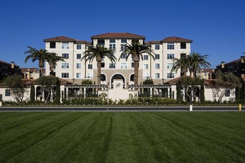 Global Luxury Suites at North Park Photo