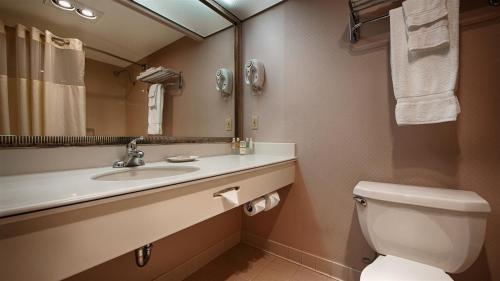 Best Western Plus Suites Hotel photo 31