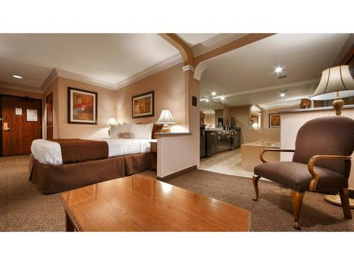 Best Western Plus Suites Hotel photo 33