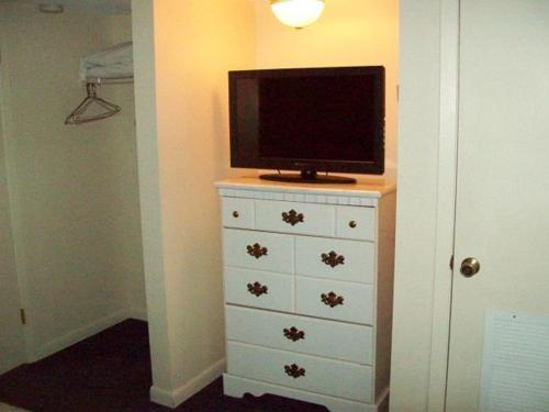 River Road Condo in the Heart of Gatlinburg (Unit 102) Photo