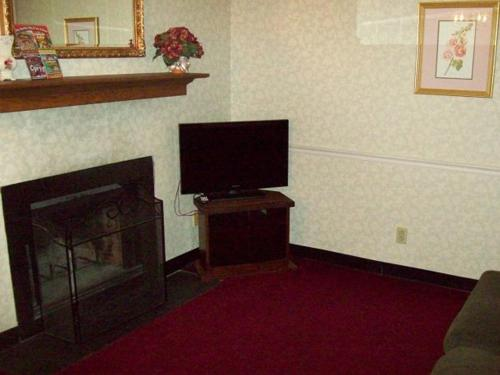 River Road Located in the Heart of Gatlinburg (Unit 103) Photo
