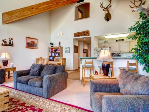 The Emerald Elk at Village Creek Apartment Photo