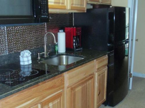 River Road Condo in the Heart of Gatlinburg (Unit 111) Photo