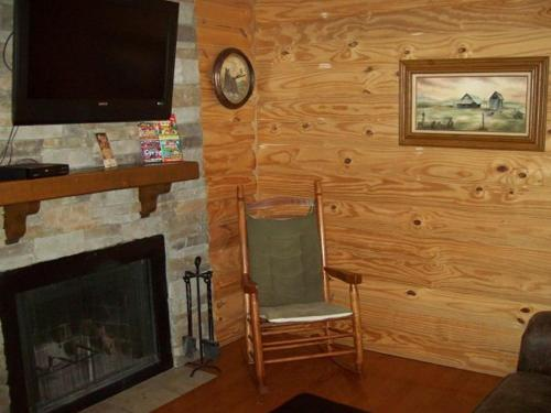 River Road Condo in the Heart of Gatlinburg (Unit 314) Photo