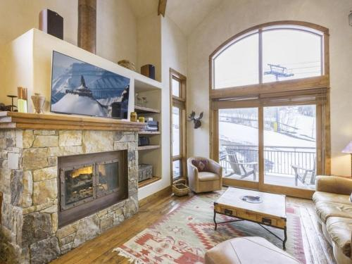 Slopeside Retreat at the Terraces Apartment Photo