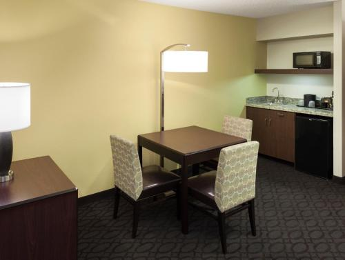 SpringHill Suites by Marriott Dallas Downtown / West End photo 13