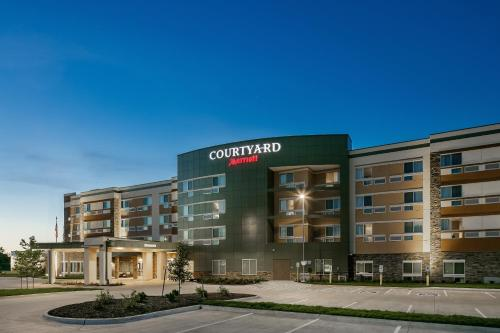Courtyard by Marriott Omaha Bellevue at Beardmore Event Center Photo