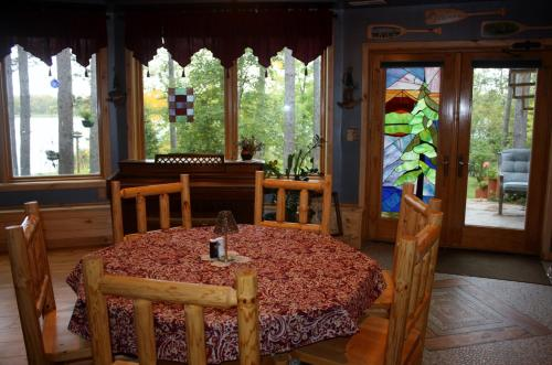 My Lake Home Bed, Breakfast and Tree House Photo