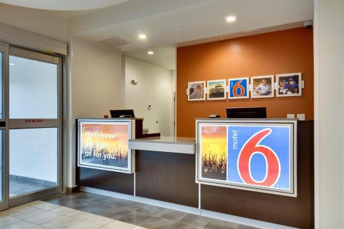 Motel 6 Poplar Bluff Photo