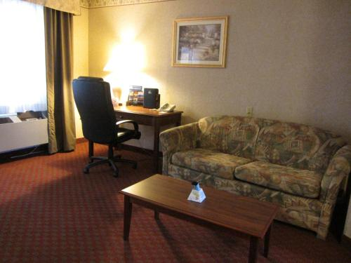 Stanton Inn & Suites Photo