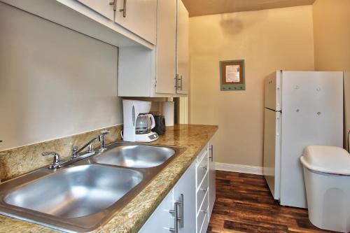 Perfect Sacramento Location with Parking! Photo