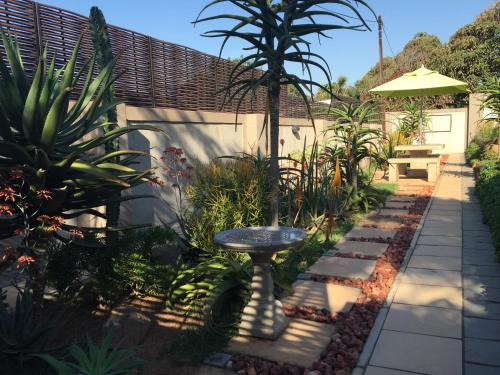 Aloes No. 21 Bed and Breakfast Photo