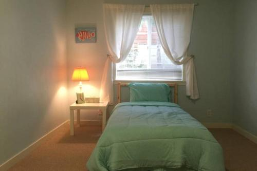 Cozy 2B Apartment - Bellevue, WA 98005