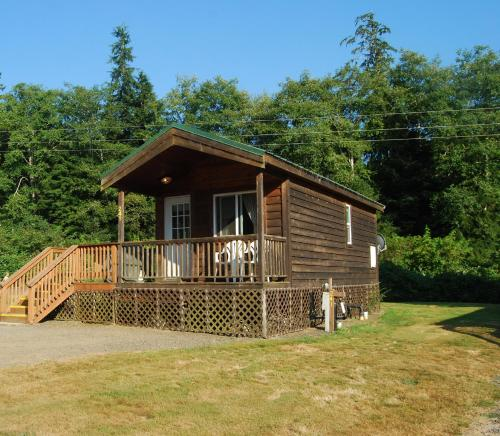 Seaside Camping Resort One-Bedroom Cabin 5 Photo