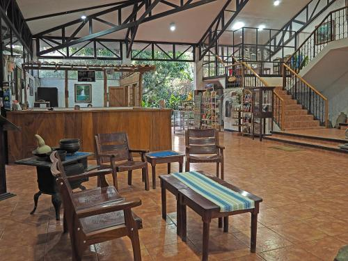 Airport Hotel Costa Rica Photo