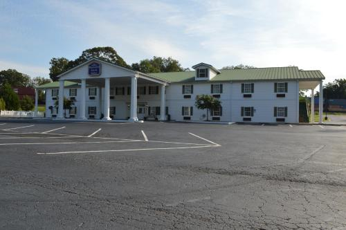 Plantation Inn & Suites Jackson Photo
