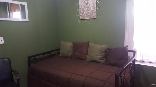Two Bedroom Apartment - Brooklyn Photo