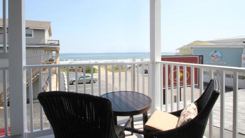 Atlantic Ocean Suites Photo