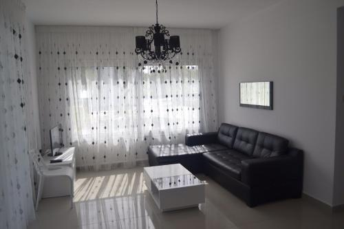 White Suit Apartment, Кирения