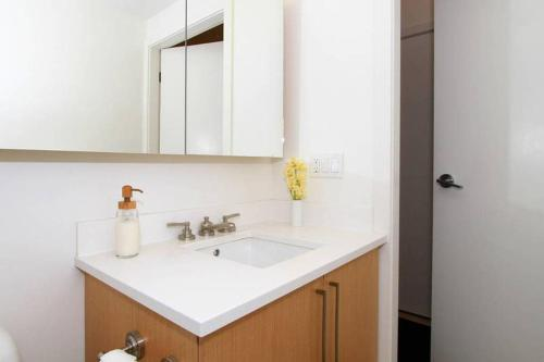 One-Bedroom on E 7th Avenue Apt 804 Photo