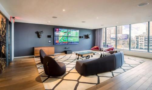 Global Luxury Suites at NorthPoint Photo