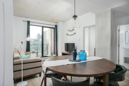 Two-Bedroom on Rue Saint Henri Apt 307 Photo