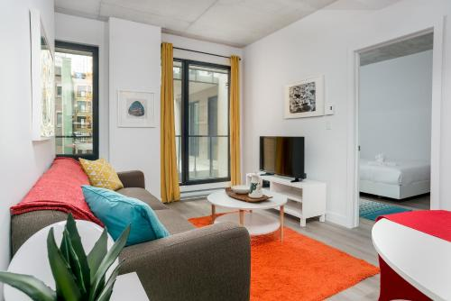 Two-Bedroom on Rue Saint Henri Apt 308 by Sonder Photo