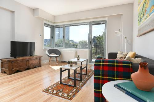 Apartment on Rue de la Montagne 305 Photo