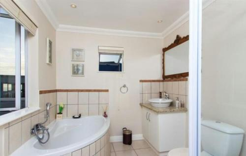 Milkwood Ridge Holiday Home Photo