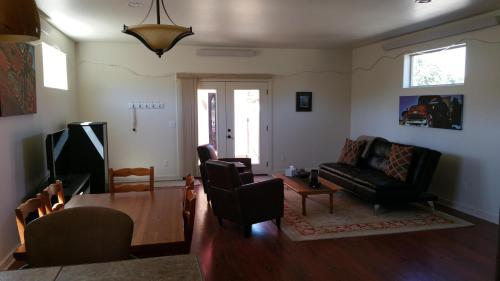 River City Town House Photo