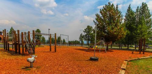 Timbers at Island Park Photo