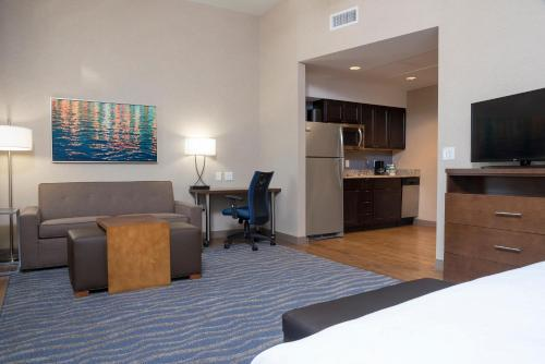 Homewood Suites by Hilton Grand Rapids Downtown Photo