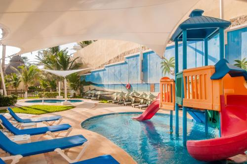 GR Solaris Cancun All Inclusive Photo