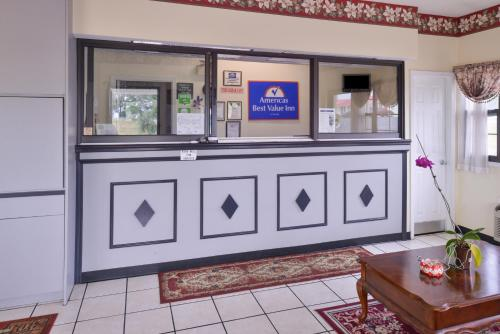 Americas Best Value Inn Wildersville Photo