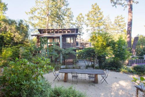 Zoe's Treehouse - Inverness, CA 94937