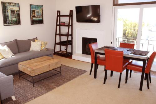 Cow Hollow Garden Apartment Photo