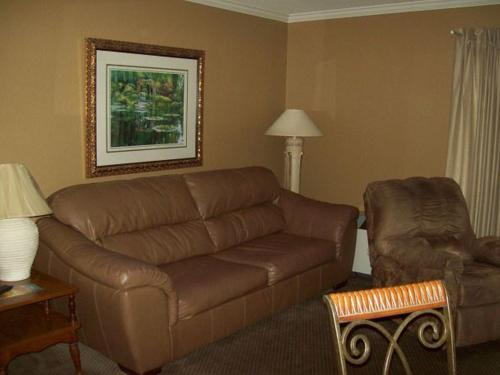 One Bedroom Condo in Downtown Gatlinburg (Unit 110) Photo