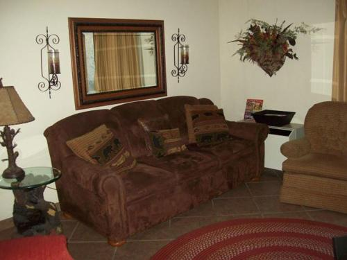 One Bedroom Condo in Downtown Gatlinburg (Unit 408) Photo
