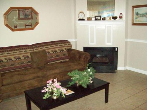 One Bedroom Condo in Downtown Gatlinburg (Unit 304) Photo