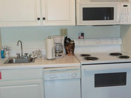 Two bedroom Condo in Downtown Gatlinburg (Unit 201) Photo