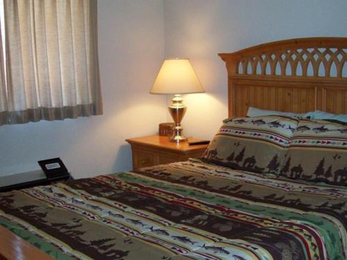 Two Bedroom Condo in Downtown Gatlinburg (Unit 407) Photo