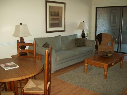 Two Bedroom Condo in Downtown Gatlinburg (Unit 307) Photo