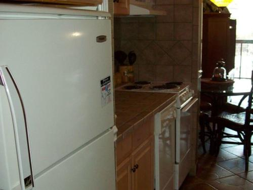 One Bedroom Condo in Downtown Gatlinburg (Unit 702) Photo