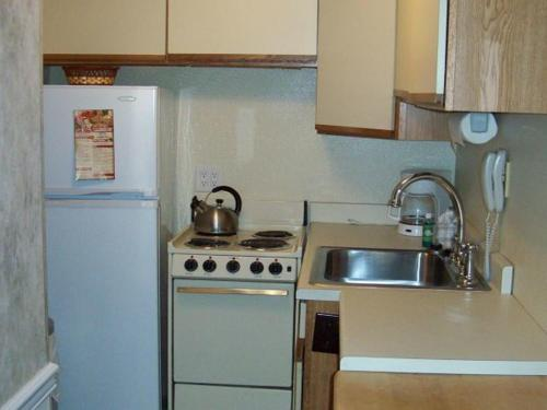 Two Bedroom Condo in Downtown Gatlinburg (Unit 712) Photo