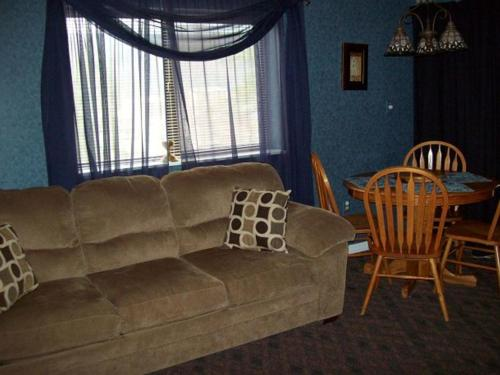 Holly Ridge Two Bedroom (Unit 204) Photo